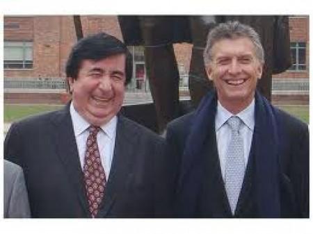 Durán Barba no logra que Mauricio Macri parezca natural en el mensaje de condolencias a las víctimas del submarino hundido.