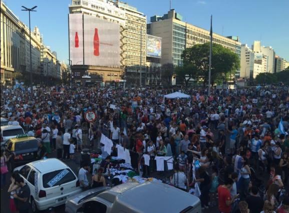 La manifestación espontánea sorprendió incluso a los dirigentes. FOTO: Facebook