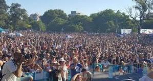 MEDIOS – Régimen | El programa 678, censurado en la TV Pública reunió 25 mil personas en una plaza.