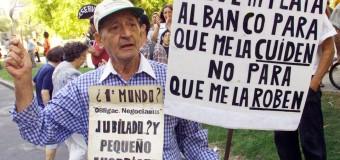 ÚLTIMO MOMENTO – Régimen | Los bancos no tienen dinero en cajeros. Macri prepara un corralito antes de Navidad.