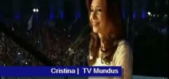 TV MUNDUS – Noticias | Programa especial. Cientos de miles de personas agradecen a Cristina Fernández.