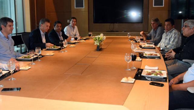 Macri y Moyano comiendo sushi en el edificio que el Gobierno de la CABA le alquila a Techint.