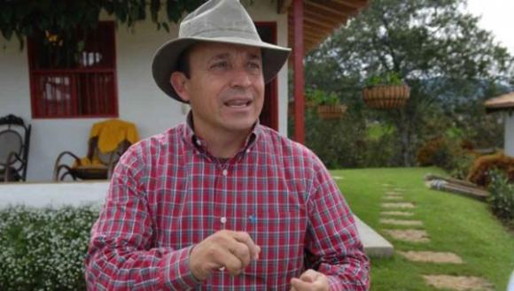 Al igual que su hermano Álvaro,  Santiago Uribe es un delincuente ligado a los paramilitares. FOTO: ANDES.