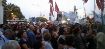 POLÍTICA – Día de la Memoria   Multitudes se acercan a la Plaza de Mayo.