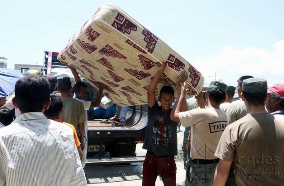 El sismo enEcuador generó un grave problema social. FOTO: ANDES.
