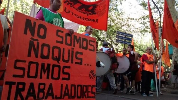 Las cinco centrales obreras convocan a la marcha del 29 a las 16 hs.