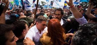 PERSECUCIÒN POLÍTICA – Peronismo | Cristina Fernández declaró en una causa armada por el Gobierno. Apoyo multitudinario que quiso ser reprimido por la Gendarmería.