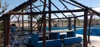 PERSECUCIÒN POLÌTICA – Jujuy | Sospechan que gente del Gobernador Morales incendió el Polideportivo San Pedro de la Tupac Amaru.