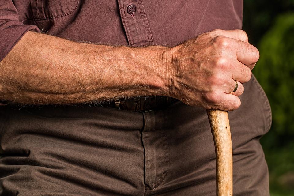 El peronismo busca detener el avance macrista sobre la jubilación.