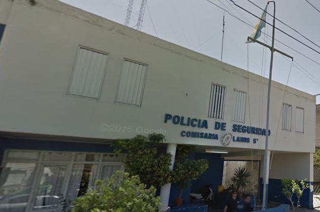 Frente a esta Comisaría se dio una pueblada reclamando por las detenciones arbitrarias.