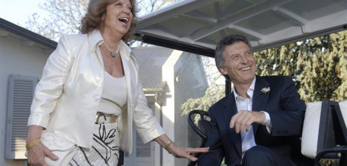 Blanco Villegas, la madre de Macri y su hijo. Oligaquía en estado puro.