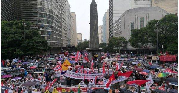 Las marchas de protesta en Brasil contra los golpistas y sus reformas laborales fueron contundentes.