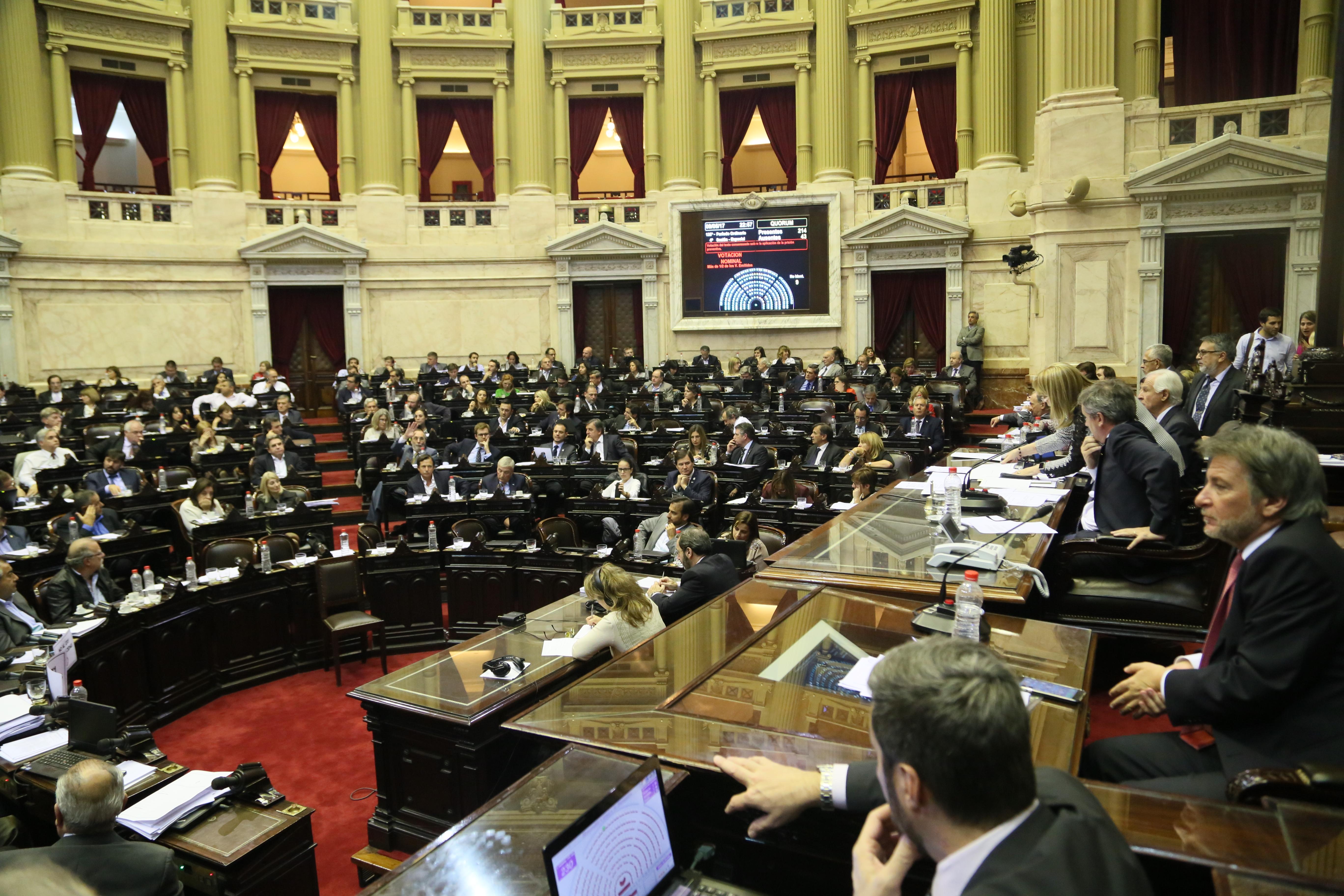La Cámara de Diputados dio media sanción a una Ley que frena el indulto encubierto de la Corte macrista.