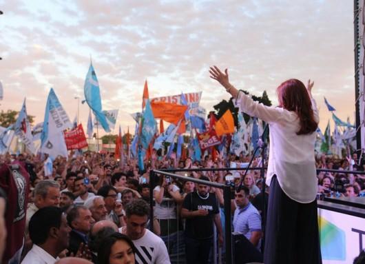 Cristina Fernández constituyó el Frente de Unidad Ciudadana y marcó el ritmo de las PASO.