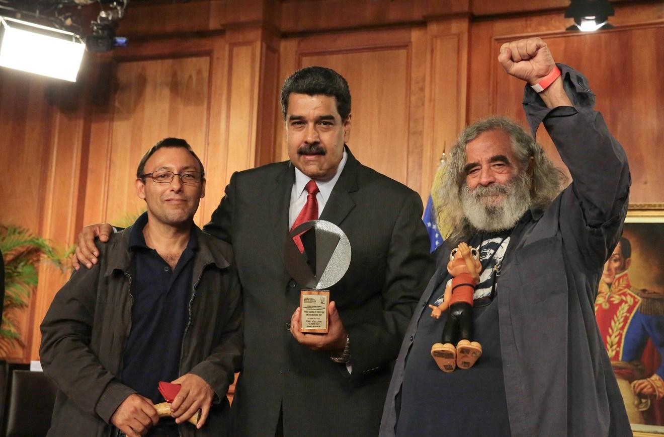 Nicolás Maduro otorgó apoyo económico para crear la Universidad Latinoamericana de Comunicación Social.