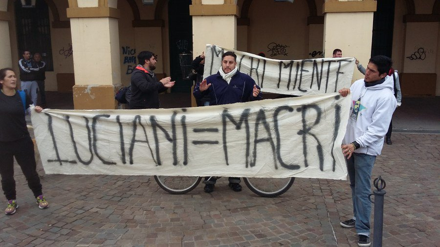 Repudio a Macri y Vidal en cada calle de una ciudad de Luján sitiada.