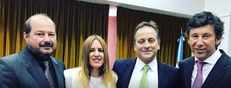De Izquierda a derecha, el Diputado Walter Caruso, ex esposa de la Jueza express Mentasty que ordenó reprimir a los trabajadores de PepsiCo. A la derecha el Intendente del PRO Walter Posse de San Isidro.