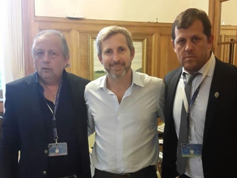 El padre y el hermano del narcotraficante detenido en Entre Ríos con el Ministro del Interior macrista Rogelio Frigerio.