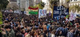 CABA – Régimen | Multitudinaria marcha de los estudiantes porteños contra la represión de Rodríguez Larreta.