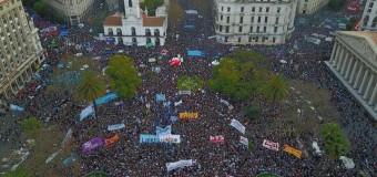 DESAPARECIDO – Régimen | Multitudinaria marcha pidiendo por la aparición de Santiago Maldonado, secuestrado por la Gendarmería macrista.