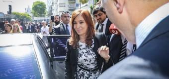CONGRESO – Senado | Ante una multitud que la acompañó juró Cristina Fernández.