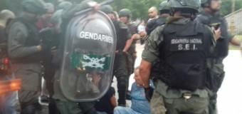 JUBILADOS – Régimen | Represión con dos Diputados heridos.