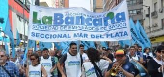 BUENOS AIRES – Trabajadores   Ante el ataque de María Vidal los trabajadores bancarios del BAPRO realizan paro de 48 horas.