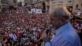Lula es el principal candidato a las elecciones presidenciales. El régimen golpista lo proscribe.