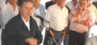 POLÍTICA – Peronismo | El macrista Barrionuevo convocó a Duhalde y Bárbaro para destruir la estructura peronista.