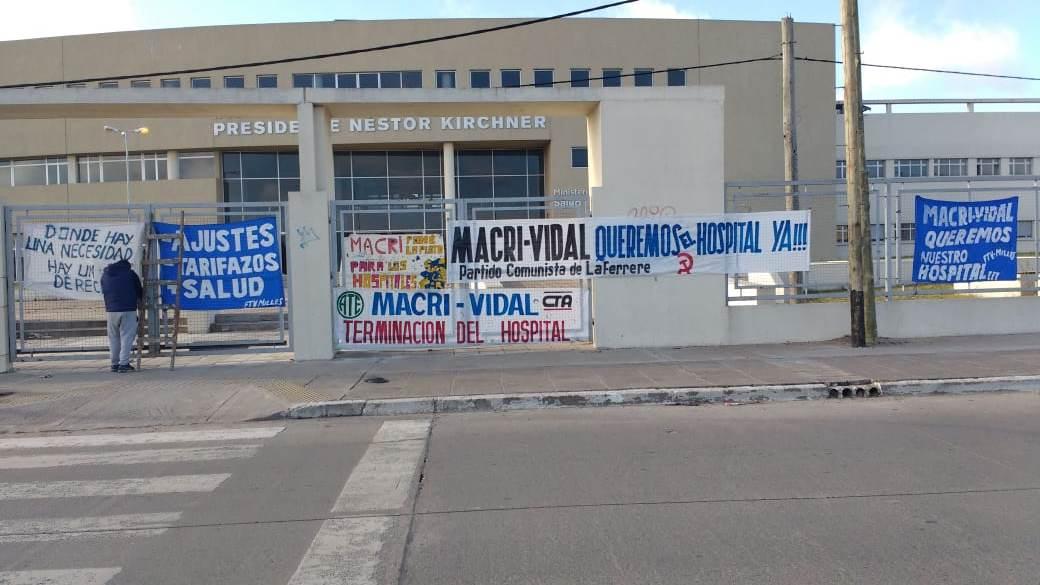 Los Hospitales Néstor Kichner y René Favaloro se encuentran abandonados por Macri y Vidal aunque estaban casi terminados.