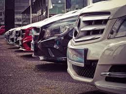Las ventas de autos caen un 20 %.
