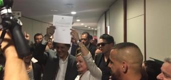 REGIÓN – Brasil  A pesar de la prisión política a que lo somete la dictadura, Lula se postuló a la Presidencia de Brasil.