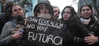 EDUCACIÒN – Régimen | Multitudinaria marcha en defensa de las Universidades Pùblicas.