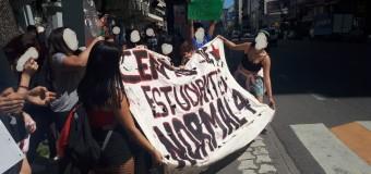 EDUCACIÓN – Régimen | El Normal 4 de la Ciudad de Buenos Aires sigue tomado para defender la educación pública.
