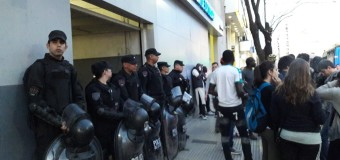 REPRESIÓN – Régimen    Por unas horas detuvieron al dirigente social Juan Grabois junto a trabajadores ambulantes.