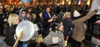 GRIETA INSALVABLE – Régimen |Marcha de nazis en contra de la ex Presidenta Cristina Fernández