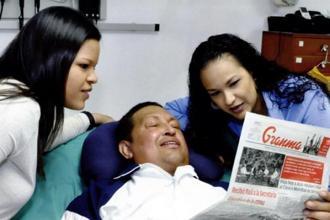 Chavez_recuperandose_TELAM_01