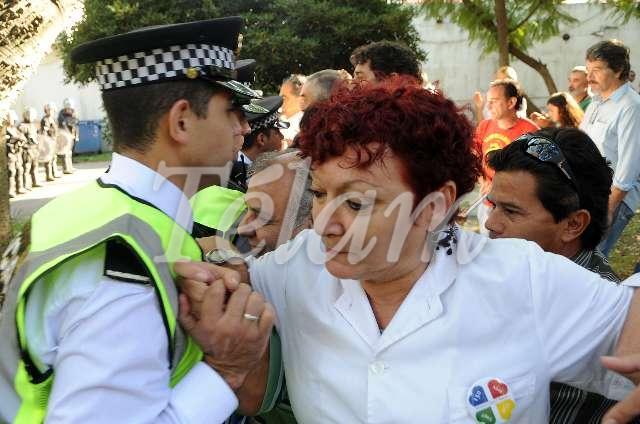CABA_bORDA_Represión2013_TELAM_01