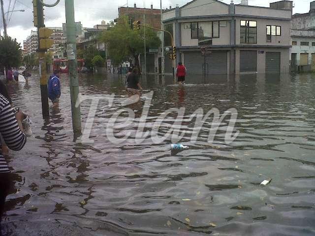 CABA_Inundacion2013_TELAM_06