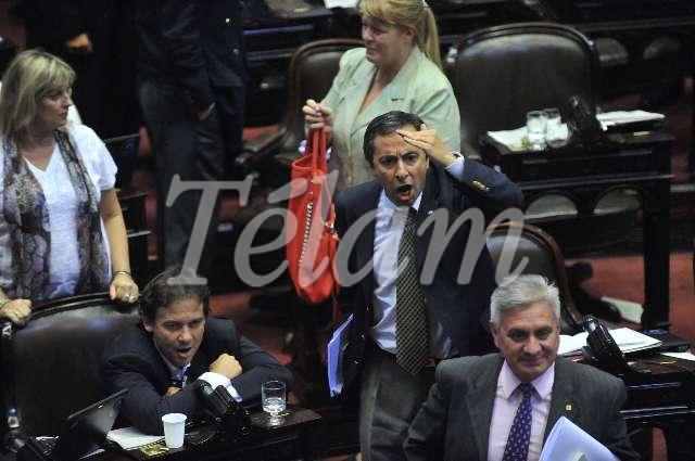 Congreso_ReformaJusiticia2013_TELAM_013_opositores