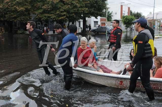 LaPlata_inundaciones_TELAM_03