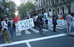 Macri y Piñera planearon la quiebra de Aerolíneas Sol para favorecer a LAN.