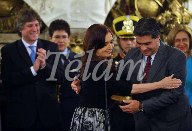 Cristina_2013_Ministros_TELAM_01_Capitanich