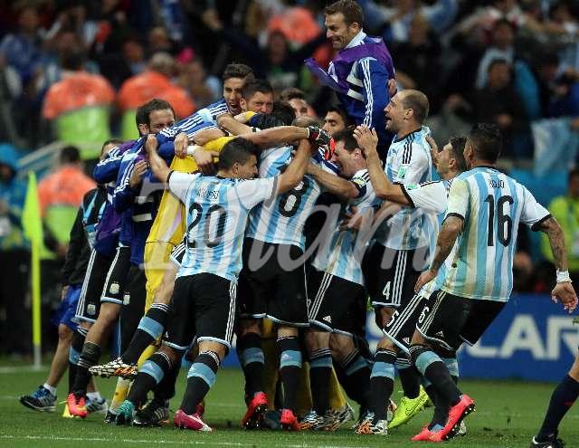 futbol_Brasil2014_Fecha06_TELAM_aRGENTINA_2
