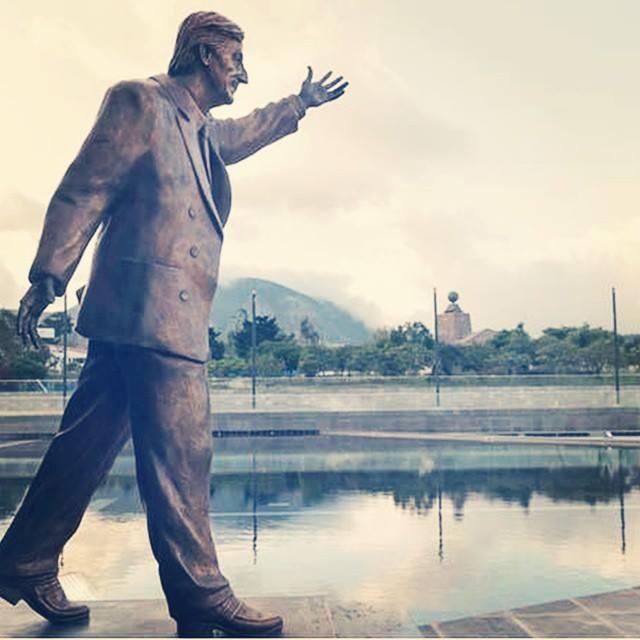 Kirchner_UNASUR_Monumento