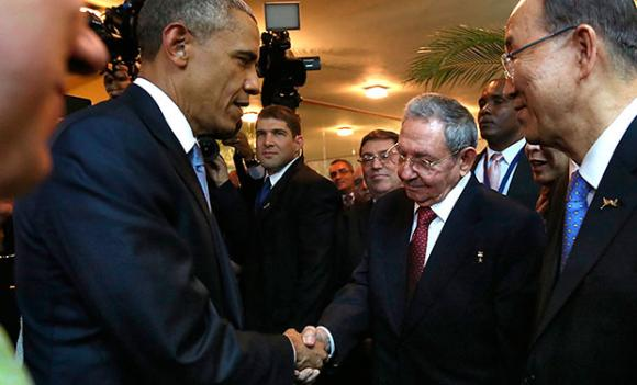 obama_y_raul_castro_1_ANDES
