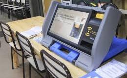 CORRUPCIÒN – Gobierno | El Ministro Ibarra ya habría comprado las urnas electrónicas.