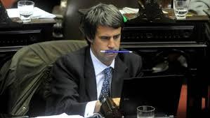 """El nuevo Ministro de Economía desprecia a las personas del interior. En plena campaña dijo que había peligro """"que mañana nos gobierne un santiagueño""""."""