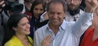 POLÍTICA – Balotaje 2015 | Ya votó el candidato del proyecto nacional Daniel Scioli.