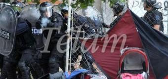 POLÍTICA – Régimen | Mientras lucha contra un vicio que la aqueja desde hace décadas, la Ministra Bullrich prepara un esquema represivo para Navidad.